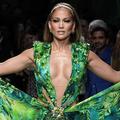 La robe jungle de Jennifer Lopez au cœur d'un procès