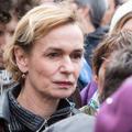 """""""Le courage, c'est d'oser vivre"""" : Sandrine Bonnaire revient sur les violences conjugales qu'elle a subies"""