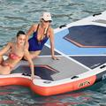 Laeticia Hallyday et Bella Hadid sur un paddle géant à Saint-Barth : la photo improbable