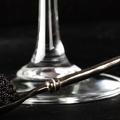Soin au champagne, élixir à la truffe, sérum au caviar... La beauté s'offre un menu de fêtes