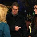 """En porte-à-porte contre le Brexit, Hugh Grant rejoue une scène culte de """"Love Actually"""""""