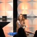En vidéo, la glissade de Miss France en maillot de bain et autres chutes mémorables de mannequins
