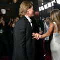 Brad Pitt et Jennifer Aniston : la main qui en dit long en coulisses des SAG Awards