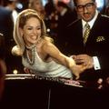 Jennifer Lopez, Bella Hadid, Kate Beckinsale... Elles font renaître le brushing crêpé