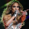 Le secret du teint parfait de Jennifer Lopez au Super Bowl dévoilé