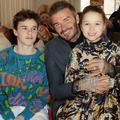 Roméo, Cruz, Harper et David Beckham, unis en front row pour soutenir Victoria à Londres