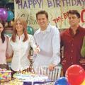 Faites un don, et partez prendre un café avec les acteurs de Friends