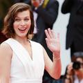 Milla Jovovich a accouché : l'adorable photo de famille à la maternité