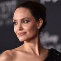 Rihanna, Blake Lively, Angelina Jolie... Ces célébrités qui font des dons pour lutter contre l'épidémie