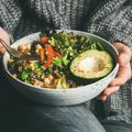 Intelligence alimentaire : cinq préceptes à adopter pour manger sain sans effort ni privation