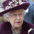 Pour se protéger du coronavirus, Elizabeth II arbore des gants blancs à Buckingham Palace
