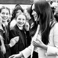"""Angèle, Meghan Markle, Charlize Theron... Les célébrités honorent les """"femmes de leur vie"""""""
