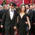 """""""Attentif, généreux, non-violent"""" : Vanessa Paradis prend la défense de Johnny Depp"""
