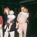 """Mia Farrow était """"anormalement obsédée"""" par son fils Ronan, écrit Woody Allen dans ses mémoires"""