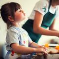 Douze activités Montessori pour divertir bébés et enfants confinés