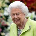 """Confinée à Windsor, la reine est dans sa """"bulle"""""""
