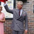 Un jean, deux chiens, un bouquet : le prince Charles et son épouse Camilla fêtent leurs 15 ans de mariage