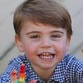 Sur ces clichés inédits de son anniversaire, le prince Louis est devenu un vrai petit garçon