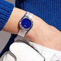 Chic, puissante, casual... le temps des montres pour femmes a changé