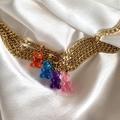 """Une tendance bijoux délicieusement régressive pour l'été : les bracelets en perles, symbole des """"nineties"""""""