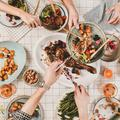 Pour vous sentir mieux dans votre corps, dînez plus tôt