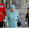 """""""On ne touche pas le sac de la reine"""": le jour où la chef du protocole américain a frôlé l'incident"""