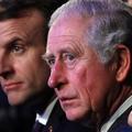 """À Londres, Emmanuel Macron adopte le """"namaste"""" du prince Charles pour saluer"""