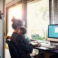 Charge mentale, effets sur la santé... le télétravail creuse les inégalités entre les genres, et entre les femmes
