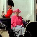 Les petites manies vestimentaires de la reine d'Angleterre