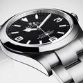 L'expo à voir cet été : la saga du cadran star de Rolex au Bon Marché