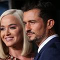 """Katy Perry et Orlando Bloom ont choisi une actrice de """"Friends"""" pour marraine de leur enfant"""