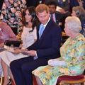"""Le prince Harry et Meghan Markle auraient songé à """"piéger"""" la reine pour obtenir une confrontation"""