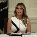 Silence et railleries : le jour où Melania a rencontré le clan Trump