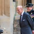 En forme, le prince Philip sort de sa retraite pour une apparition publique au château de Windsor