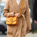 Orange Hermès, rouge Valentino… comment les couleurs du luxe frappent nos esprits