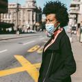 Migraines, boutons, respiration... Comment le masque perturbe notre corps