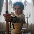 """Millie Bobby Brown, tourbillonnante """"Enola Holmes"""", petite sœur et rivale du célèbre Sherlock"""