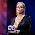 """Sharon Stone raconte le harcèlement sexuel qu'elle a subi à """"l'apogée de sa carrière"""""""