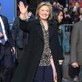 En plein tumulte, l'étrange absence de Hillary Clinton