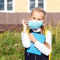 Adapter un masque adulte en taille enfant, le tuto facile plébiscité par les parents