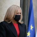 """""""Tous les jours je pleure"""" : Brigitte Macron lit l'émouvante lettre d'une jeune fille de 16 ans"""