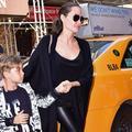 Les photos volées d'Angelina Jolie en virée shopping avec son fils Knox Léon (qui a bien grandi)