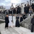 À Chenonceau, Chanel présente une collection réalisée par ses doigts de fées