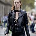 Corsets, dentelles, transparence : les fêtes invitent à renouer avec le glamour
