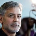Pendant les fêtes, George Clooney imite le père Noël pour calmer ses enfants