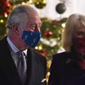 """""""Dites-le avec des fleurs"""" : le prince Charles et Camilla dévoilent leur carte de vœux"""