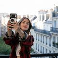 """""""Emily in Paris"""" a-t-elle volé sa place aux Golden Globes ?"""
