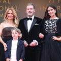 "John Travolta rejoue la danse endiablée de ""Grease"" avec sa fille Ella"