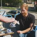 """""""Nous n'avons pas fui"""": le prince Harry évoque la famille royale et sa nouvelle vie en Californie"""