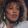 En vidéo, Tina Turner revient sur son passé douloureux dans un nouveau documentaire